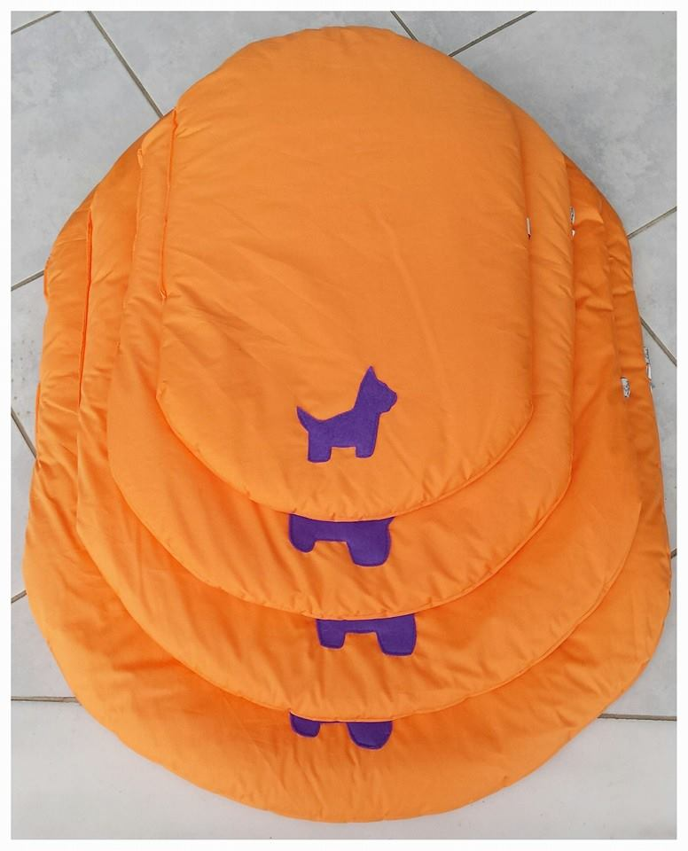 e9b03320c9a Furry Tails - Αδιάβροχα Πορτοκαλί Στρωματάκια | Η ΦΩΛΙΑ ΤΟΥ ΤΣΙΝΟ